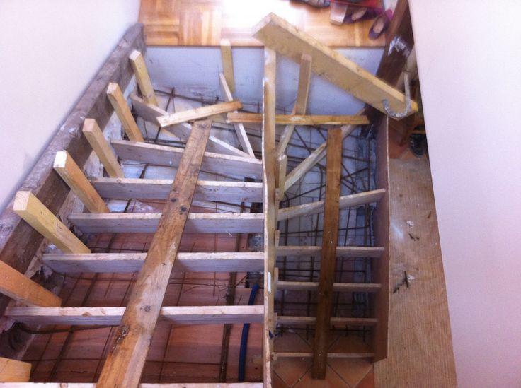 Les 25 meilleures id es de la cat gorie coffrage escalier beton sur pinterest - Coffrage escalier beton quart tournant ...