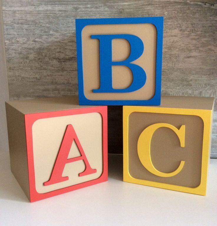 Nomes em Cubos GIGANTE <br> <br>Modelo Toy Story <br> <br> Feito em MDF pintado artesanalmente e envernizado. <br> <br>Quer outro nome ? Outra Cor ? <br> <br>Consulte-nos para um orçamento personalizado <br> <br>Letras para decorar sua festa que depois se transformam em lindo objeto de decoração para sua casa <br> <br>Cubos de 15x15cm <br> <br>Fazemos em outros tamanhos - entre em contato.