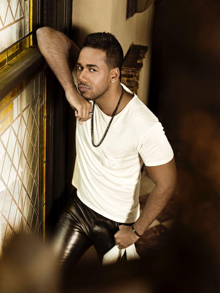 Lista de finalistas a Premios Billboard 2015 (FOTOS) Romeo santos