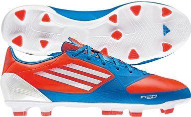 Adidas F30 AdiZero TRX FG voetbalschoen. De Adidas F30 AdiZero TRX FG is het kleine broertje van de Adidas F50 AdiZero. De schoen heeft hetzelfde strakke uiterlijk en is daarmee eveneens een van de lichtste schoenen in zijn soort. De schoen is gemaakt voor de snelle voetballer.