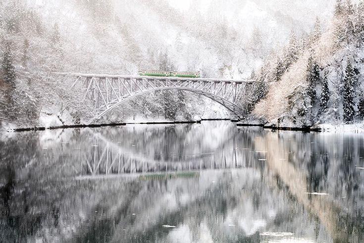 ・  :只見線  :Fukushima, Japan  ・  冬の会津遠征は終わりです  ・  Nikon D850  Tamron SP 70-200mm G2  ・  #只見線 #第一橋梁 #リフレクション #visitfukushima ・  #makotoigarisfieldwork