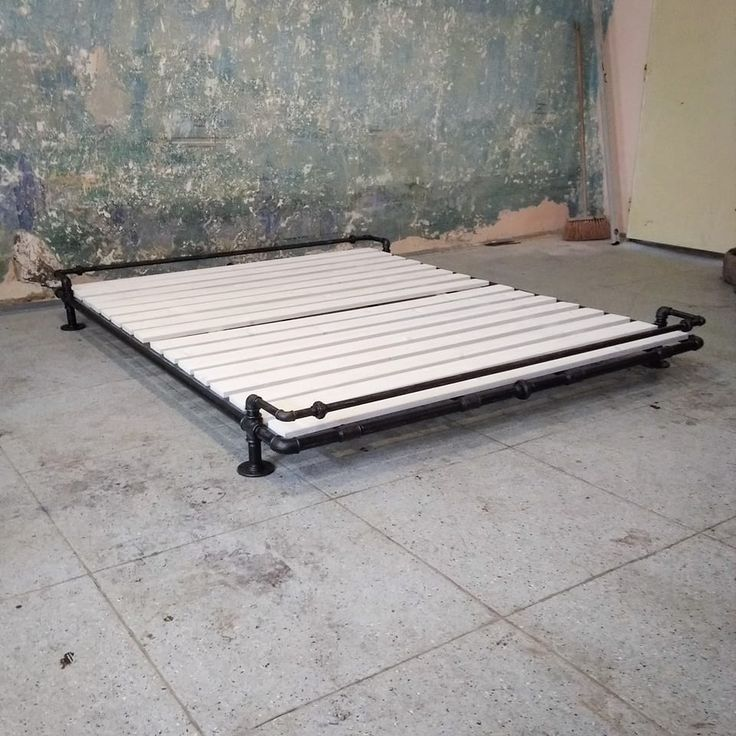 Water pipe bed
