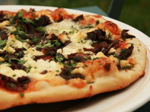 Pizza på 800 graders vis   Recept från Köket.se