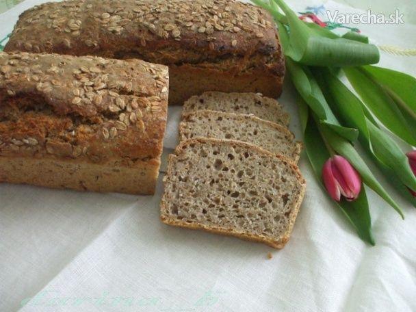 Jednoduchý ražný chlieb s kváskom (fotorecept) - Recept
