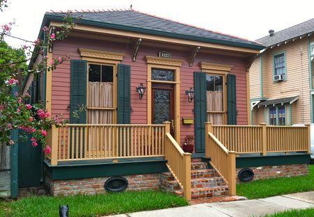 55 best images about bungalow exterior colors on pinterest exterior colors craftsman and - Hunter green exterior paint paint ...