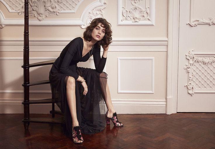 Le maison di moda svelano le nuove campagne (e le loro testimonial) della prossima stagione: da Jennifer Lawrence per Dior a Gigi Hadid per Versace, ecco tutte le star dell'inverno che verrà. Volti noti e new entry incluse