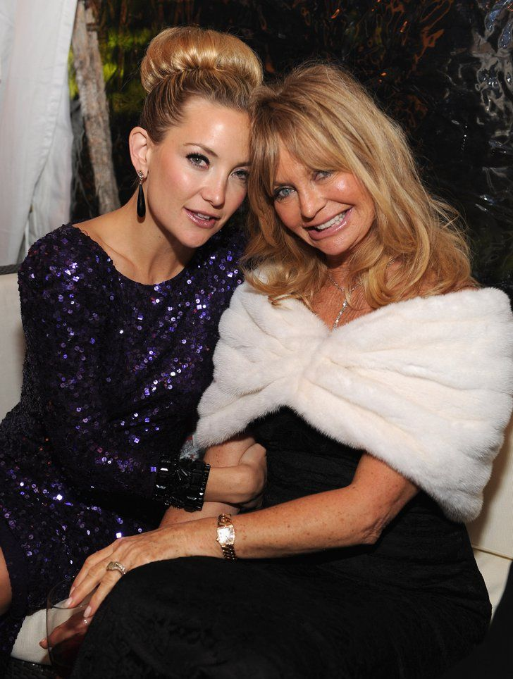 Pin for Later: 90+ Stars Being Sweet With Their Moms Kate Hudson Kate Hudson and her gorgeous mom, Goldie Hawn, posed together at the White House Correspondents' Dinner in 2012.