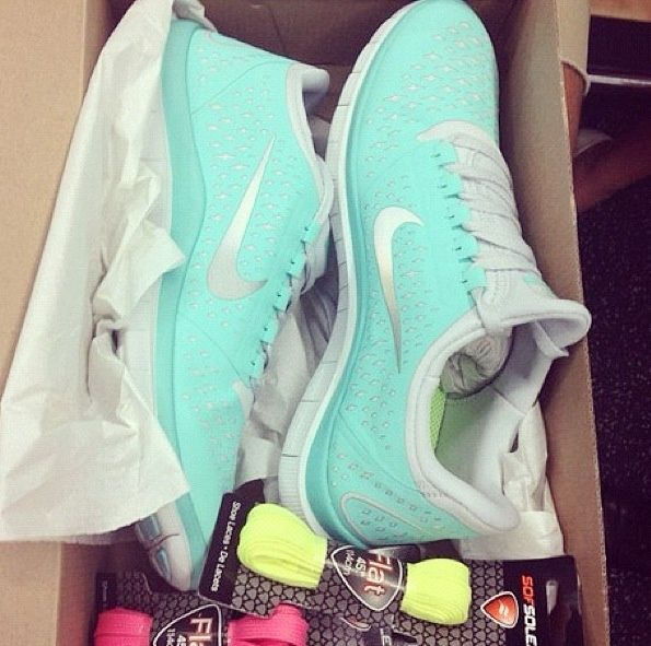 Website for 70% Off #Tiffany #Blue Nikes Running Shoes! $39