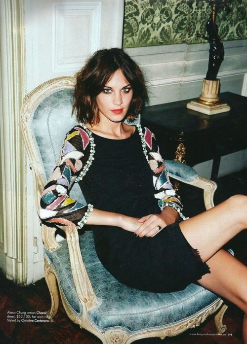 Alexa Chung hair idea, but with your full bangs, then later you can have a middle part?? @Victoria Brown Ewell
