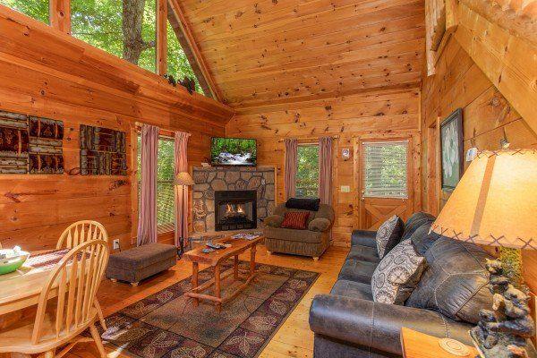 Swept Away In The Smokies Luxury 1 Bedroom Pigeon Forge Cabin Rental Luxury Cabin Rental Cabin Cabin Rentals