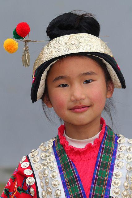Asia | Young girl, China / Guizhou + Guangxi | © Rudi Roels