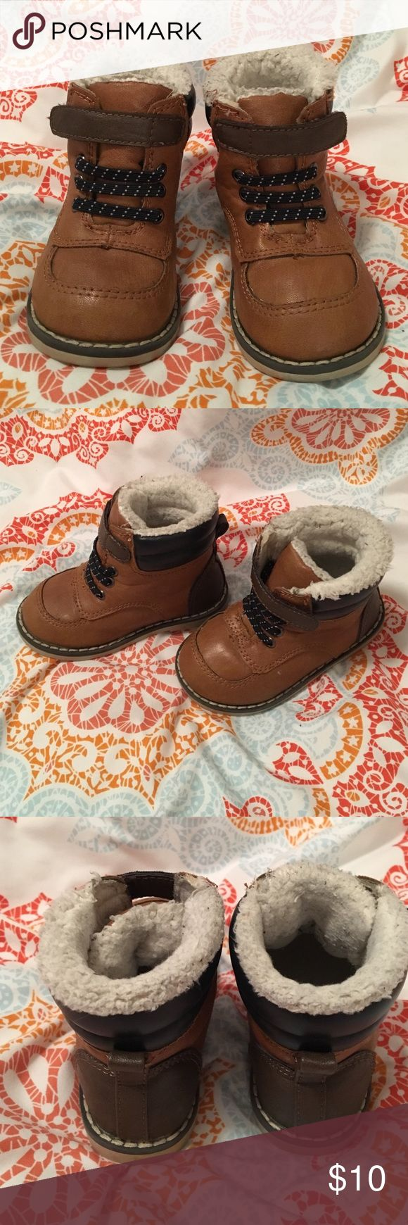 Old Navy Sherpa Lined Toddler Boots Size 6 toddler boy boots from Old Navy. Great condition other than the sherpa part which does show some wear. Old Navy Shoes Boots