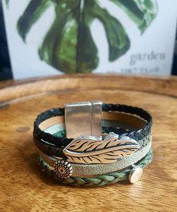 Leren armband dames groen nu te bestellen in de shop. Op zoek naar leren armbanden kopen? Bestel ze hier voor dames & heren, speciaal op maat gemaakt!