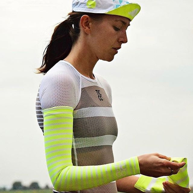 @thisiscambridge women's base layer and Roubaix arm warmers. • Available now through this-is-cambridge.com. • #kitwatch #newkitday #womenscycling