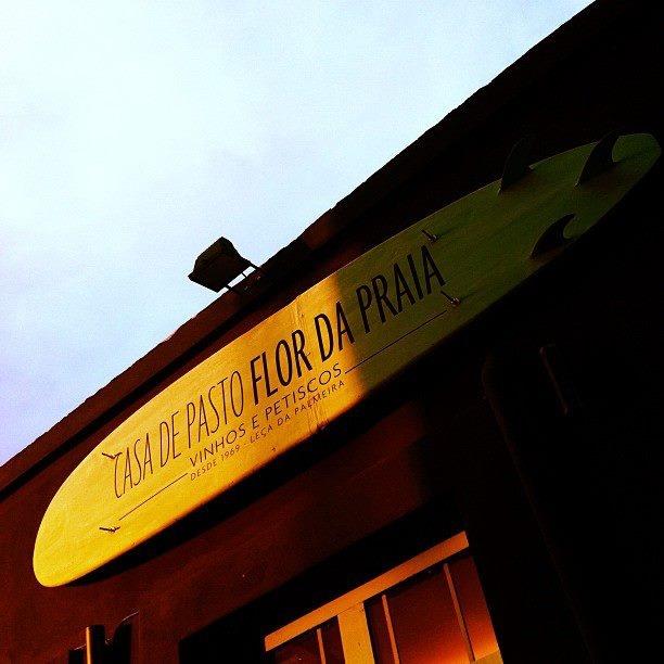 Casa de Pasto a Flôr de Praia  Rua de Fuzelhas,   4460 Leça da Palmeira,   Portugal  De terça a Domingo, das 12h às 22h  Descanso semanal Segunda-feira  outro dos lugares onde sou tão feliz