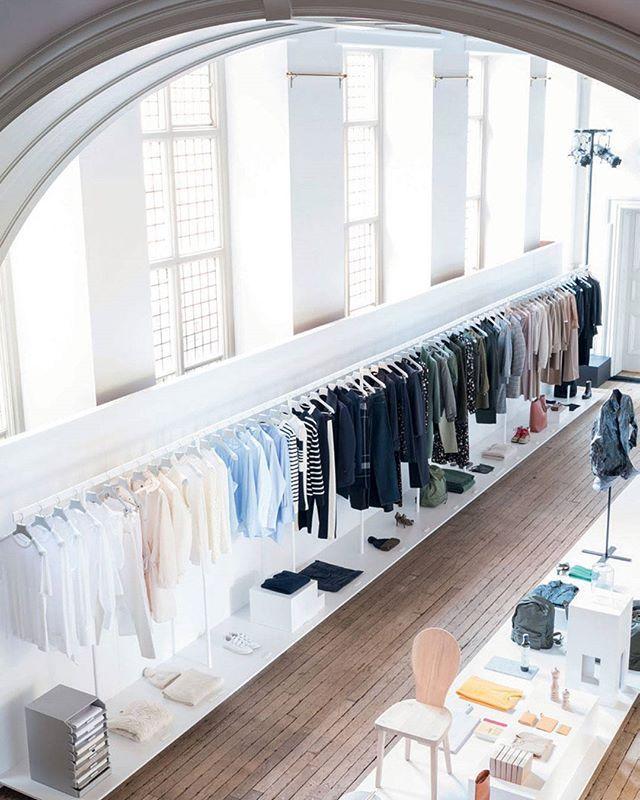 Fredag den 1. september åbner H&Ms nye brand og konceptbutik ARKET på Købmagergade i KøbenhavnI månedens ELLE der er på gaden 2 dage endnu kan du læse meget mere om brandet og få et sneak peek på hvordan det så ud da den første butik åbnede i London hvor ELLEs Fashion Director fik det første smugkig på kollektionenFoto: @josephineaarkrogh #ELLEseptember #arket #hm  via ELLE DENMARK MAGAZINE OFFICIAL INSTAGRAM - Fashion Campaigns  Haute Couture  Advertising  Editorial Photography  Magazine…