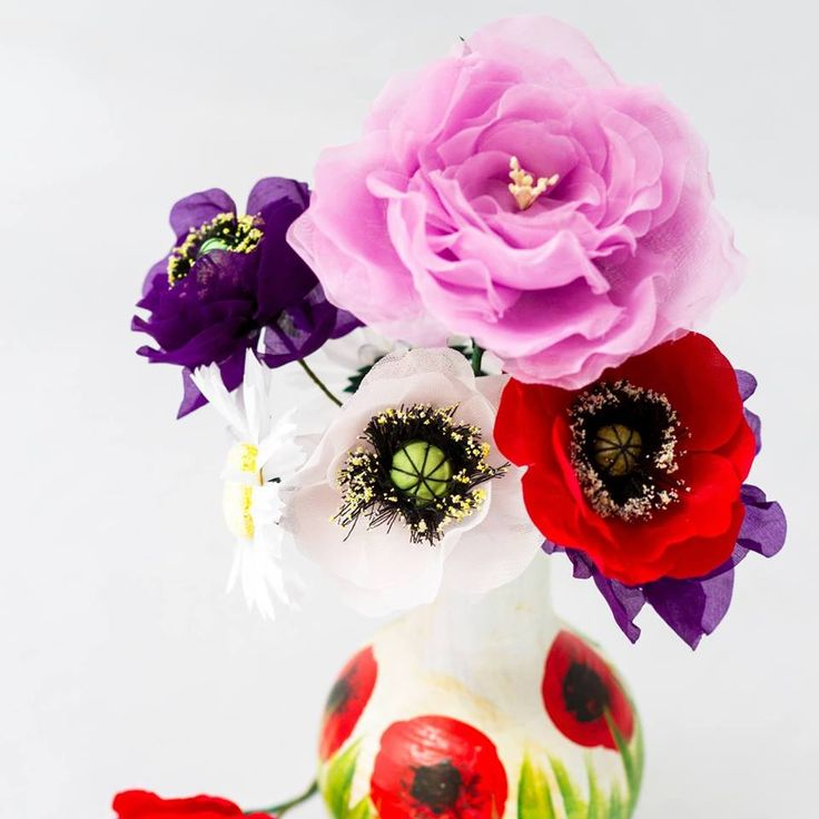Poppy made with lobe by Nina Design Floral