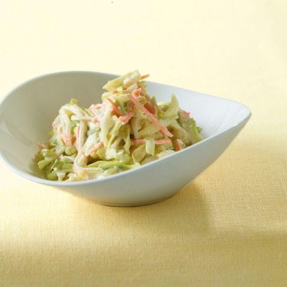 ESSEN & TRINKEN - Schmand-Spitzkohl-Salat Rezept