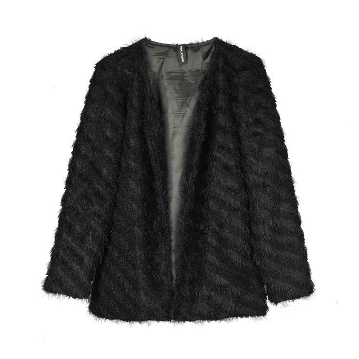 Chaleco de mujer peludo color negro.