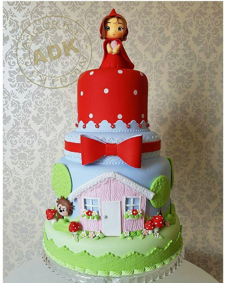 Você vai fazer uma festa com tema Chapeuzinho Vermelho? Olha só que fofura essa inspiração de bolo! ...