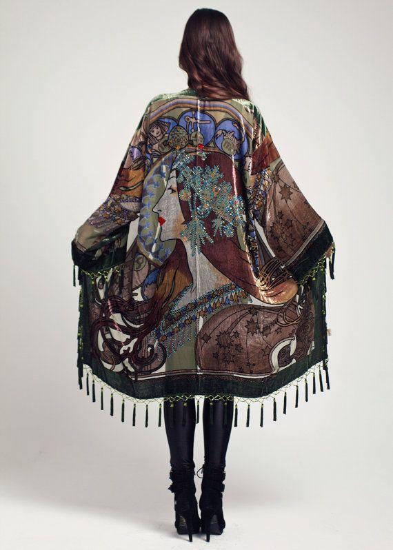 Chaqueta Kimono de terciopelo señora cósmica  oliva por shevamps, £175.00