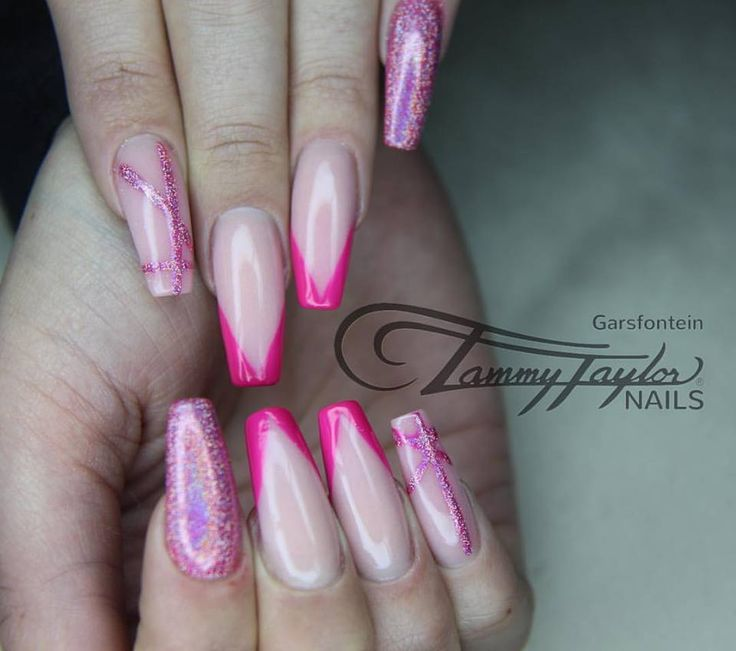#tammytaylor #pink #pinknails #holographic #glitter #freshpink #nailart #glam #art