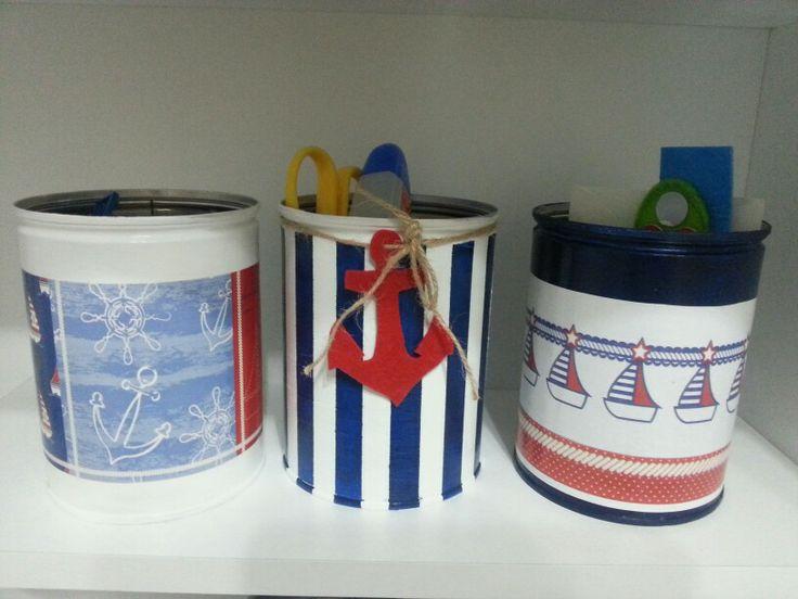 Painted tin pail for my son (büyük oğlumun odası için boyadığım teneke kutular)