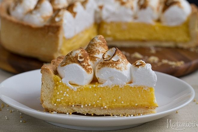 Passionfruit Meringue Pie (Marakujový koláč s bielkovou penou)