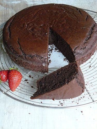 15 minute chocolate cake (a riff on the Laurie Calwin's classic chocolate cake)