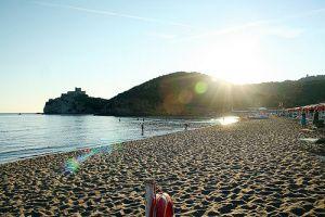 Rocchette beach, one of the west beaches of Castiglione della Pescaia. (Photo Credit JeaMY_Lee ) #maremma #tuscany #sea #mare #beach