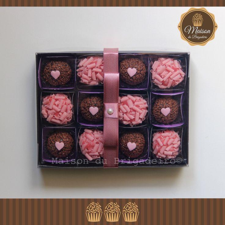Caixa Dia dos Namorados - 12 brigadeiros