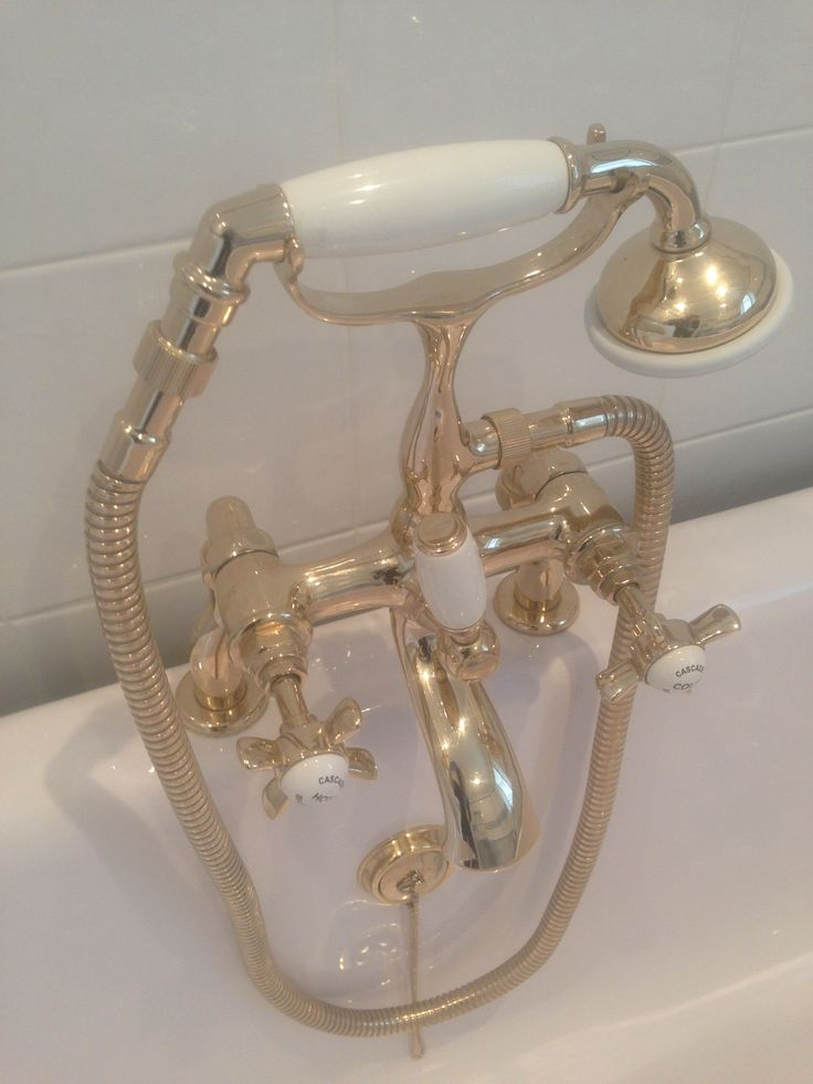 Lovely Clean Gold-effect Taps on Roll-Top Bath, cleaned by Callum