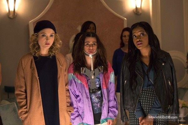 """Scream Queens"""