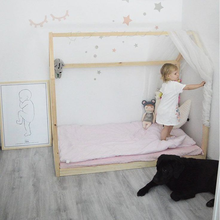 Lena's room with her sweet  and #birthprint in #scandinavianstyle   by @tworzacnaszswiat.pl #studionatal #nurseryinspo
