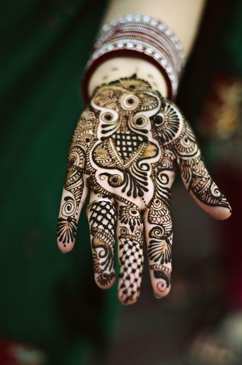 Beautiful Mehndi Design for Hands