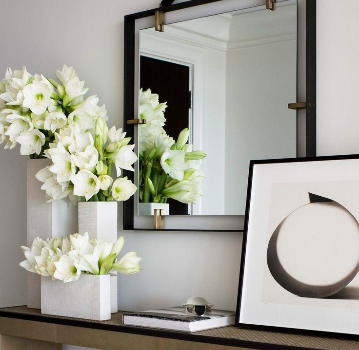 White Modern Flower Vase