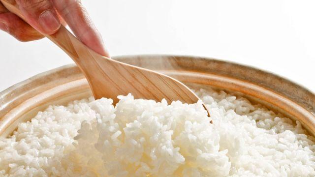 Namiesto sypkej ryže ste uvarili mazľavú zlepenú hmotu? Vieme, kde je problém…