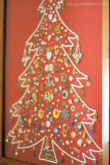 Amazing Christmas tree completely made out of old family jewelry.  Wouldn't this be fun to pass down with so many stories tied to each different pieces? (Or if there aren't, start making those family stories now.:))