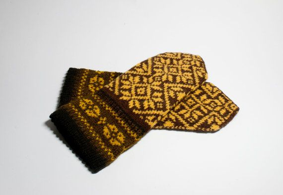 Hand Knit Wool Mittens  Mittens for Womens  Gift Ideas by DriadaD