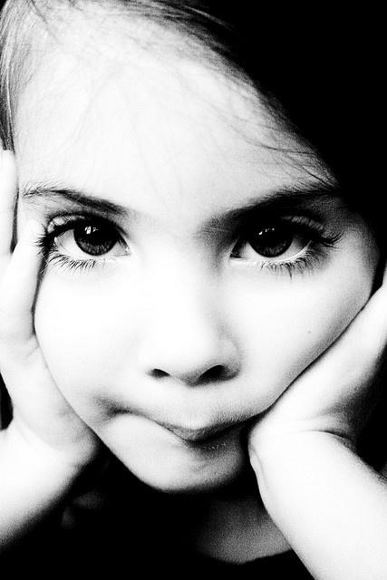 Petite Fille et Portrait.
