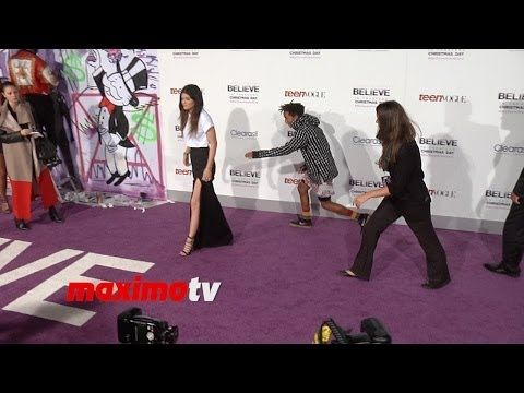 "▶ Jaden Smith and Kylie Jenner at Justin Bieber's ""Believe"" Premiere"