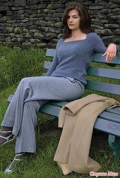 Два красивых и простых пуловера с квадратным вырезом