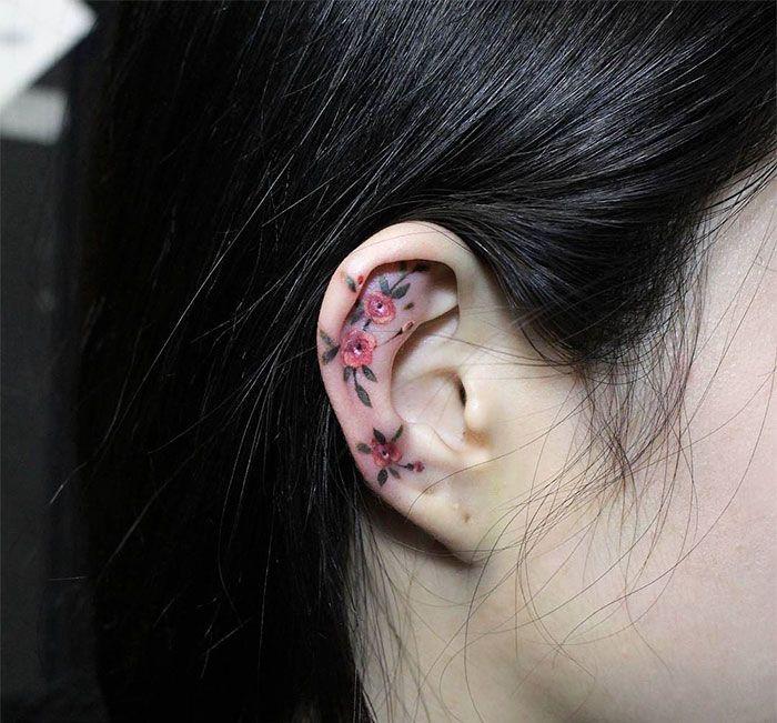 Nueva moda: tatuajes en la hélice de la oreja quedan así de curiosos - Marcianos.com