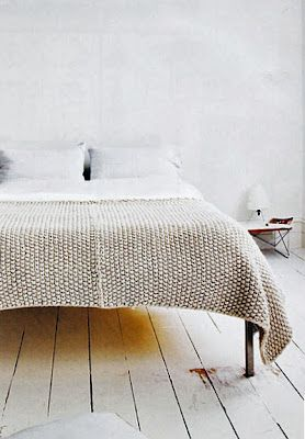 can't get enough of this high-legged bed with its cosy nicole farhi moss stitch blanket