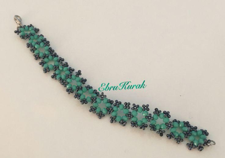 Takı tasarım , renkli , papatya modeli , kristal boncuk , kendin yap , dıy , bileklik, bracelet , necklace ,ornament , trappings , glass bead