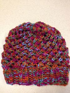 Using the Round Loom on Last Minute Slouchy Hat originally created by Isela Phelps