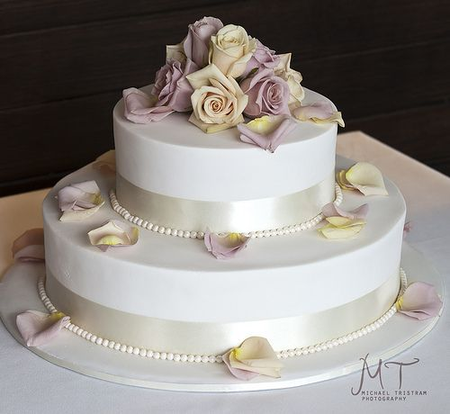Wedding cake by Cakes by Nichole, via Flickr