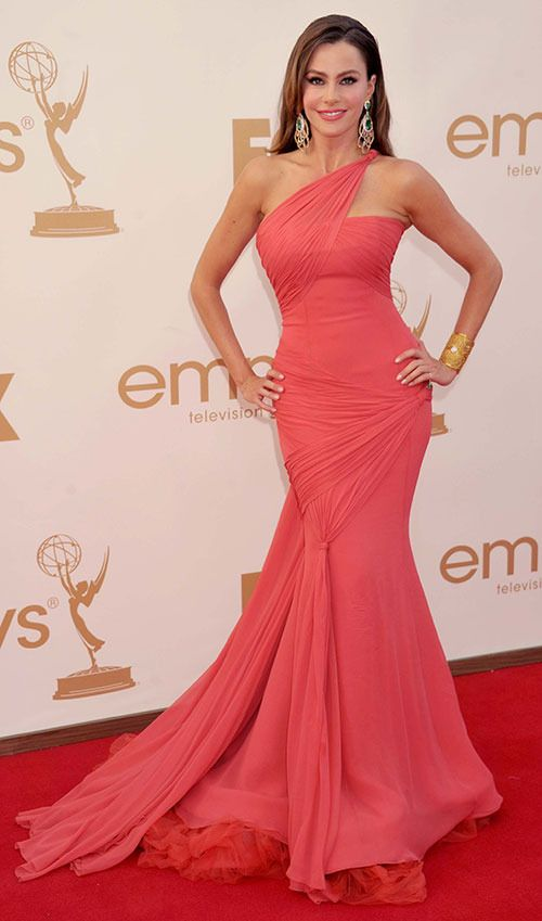 Sofia Vergara wears a gorgeous floor length dress to the emmy's