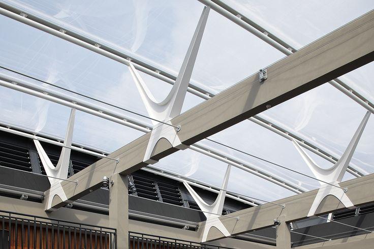 Ketteler-Kolleg, Mainz – Pneumatisches ETFE-Dach  Temme Obermeier   Experts for Membrane Building – Ph: +49 (80 35) 9 50 85-20