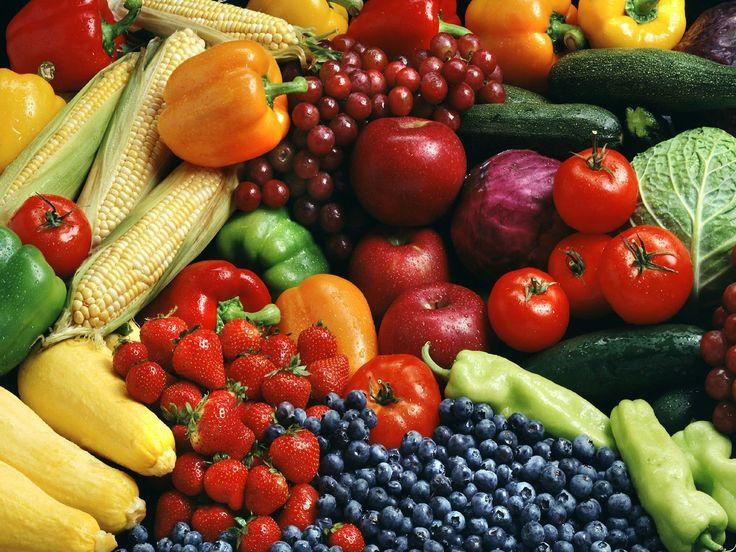 Las vitaminas y minerales son indispensables para la vida, estimulan el funcionamiento del sistema inmunitario, favorecen el crecimiento y el desarrollo y ayudan a las células y a los órganos a desempeňar sus funciones. Las frutas y verduras son importantes fuentes de vitaminas.